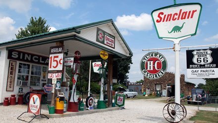 Sinclair Gas station, Paris Springs MO